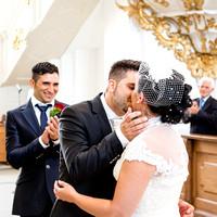 First kiss, katholische Hochzeit im Kloster St. Urban, Kanton Luzern